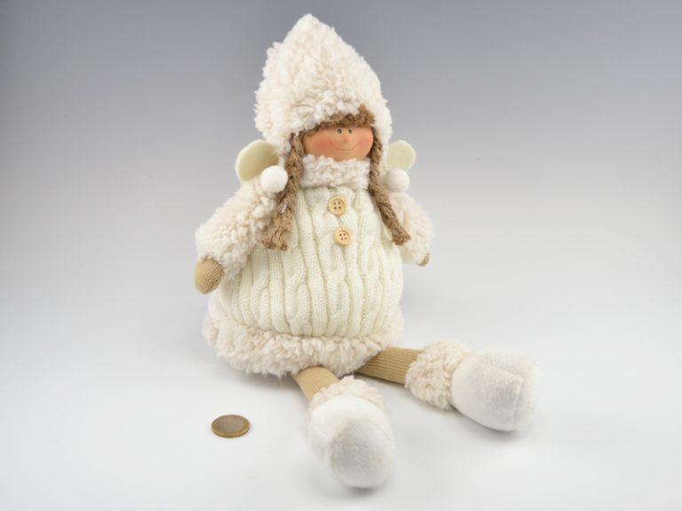 Fillette originale habillée en laine
